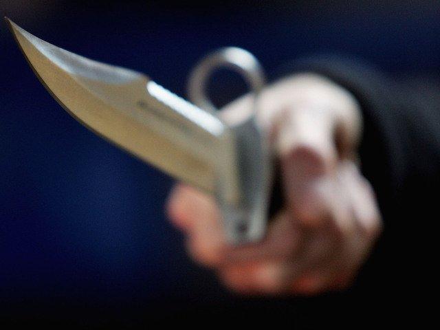 Розбійника, який з ножем напав на жінку на Володимир-Волинському вокзалі, взято під варту