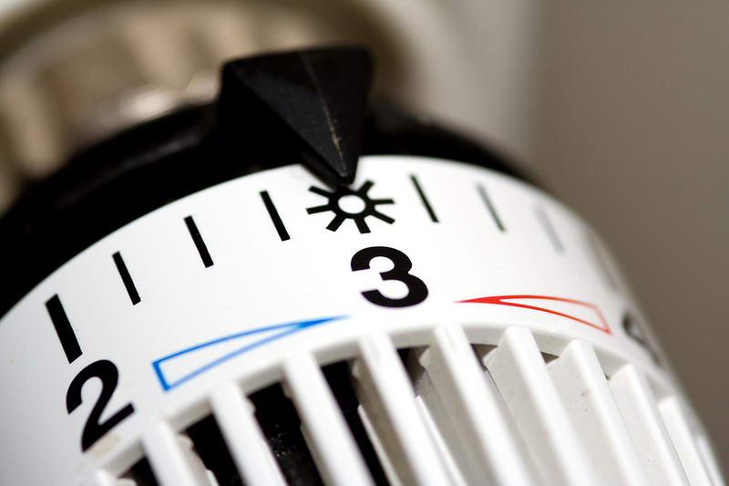 Постачальники тепла та води мають встановити будинкові лічильники за власні кошти