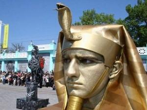 """Євпаторії вдалося зібрати рекордну кількість """"живих статуй"""""""