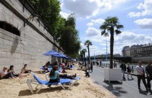 В центрі столиці Франції відкрили пляж