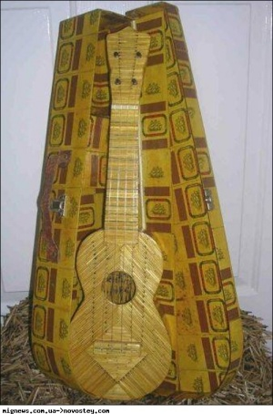 Англієць зробив гітару із сірників
