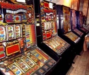 Розлючений гравець розтрощив казино вогнегасником