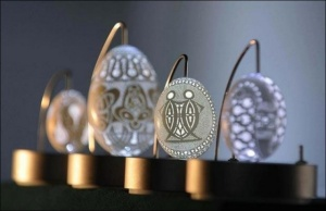 Словенський майстер виготовляє оригінальні великодні яйця