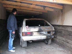 У Ківерцях п'яний хлопець спалив два автомобілі