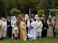 """Англійці влаштували весілля в костюмах з """"Зоряних воєн"""""""