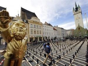 Німецьке місто зайняли гноми-нацисти