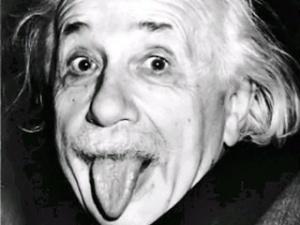 Фото Ейнштейна, який показує язик, продали за 74,3 тисячі доларів