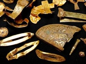 Англієць знайшов найбільший в історії скарб англо-саксів