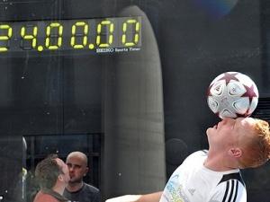 Англієць жонглював м'ячем 58 кілометрів