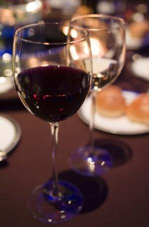 Червоне вино викликає у жінок сексуальний потяг