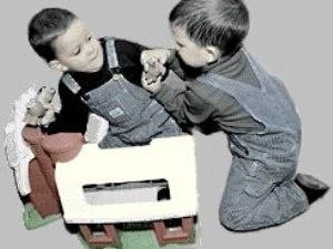 У Британії малюків судитимуть за бійки у пісочницях