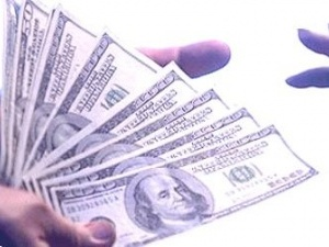 Хабаря у розмірі 25 тисяч доларів вимагала голова сільської ради